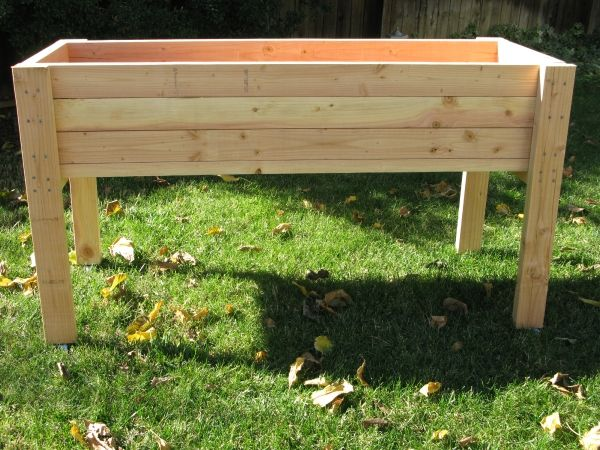 Living Green Planters - Portable Elevated Planter Box. For strawberries and tomatoes