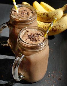 Frullato di Banana, Cioccolato e Proteine (Senza Latticini e Noci)