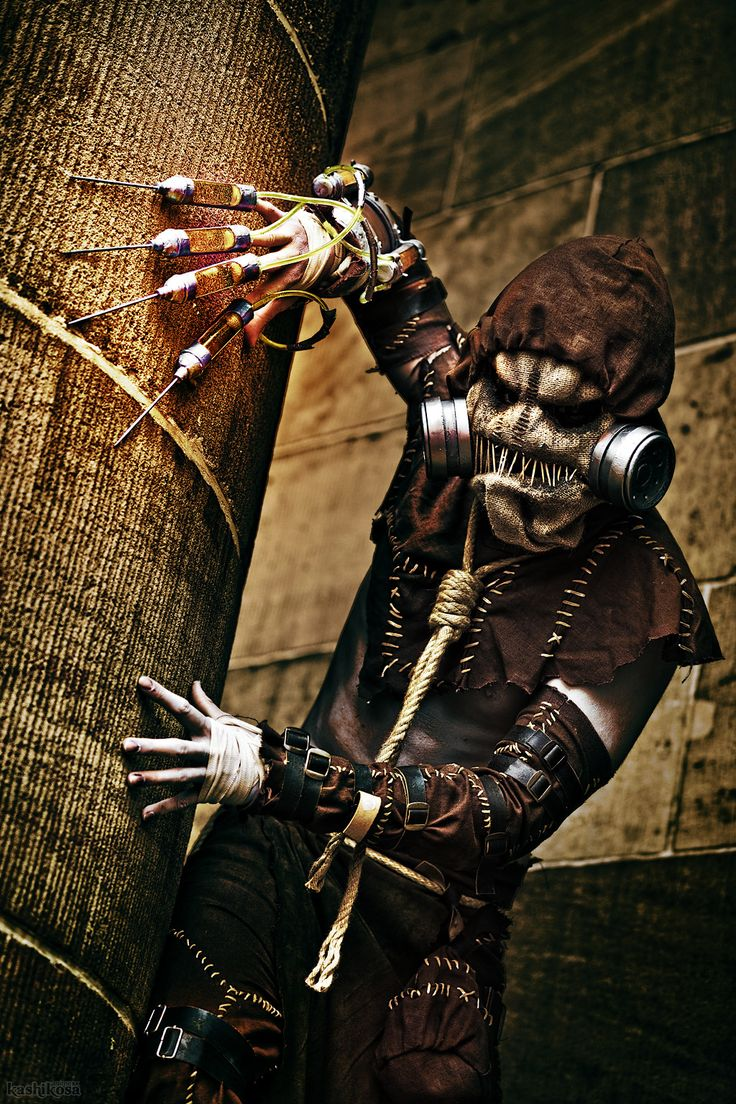 There are scarier Scarecrows and there are less frightening Scarecrows, but Weasel Cosplay's take on Arkham Asylum's Jonathan Crane, with its sunken eyes and excellently stitched mouth is particularly fearsome. Photo by kashikosa.
