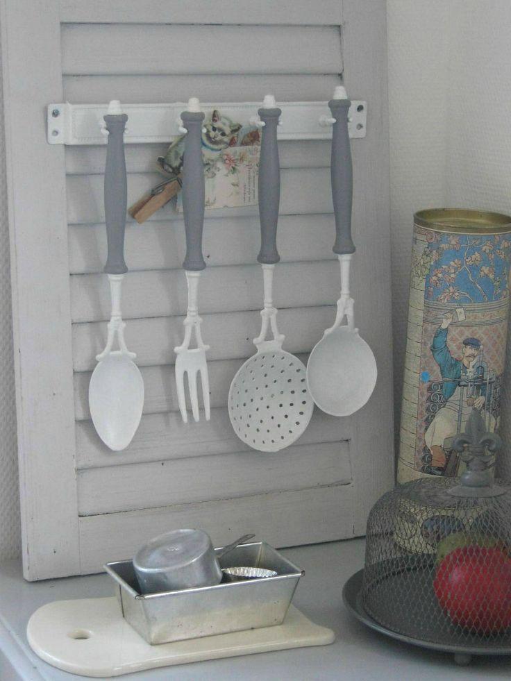 Ustensiles de cuisine vintage patin s les aristos for Ustensiles de cuisine retro