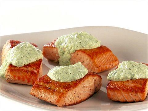 Giada's pan-fried salmon... sauce with chives, basil and tarragon with yogurt&mayo. video.