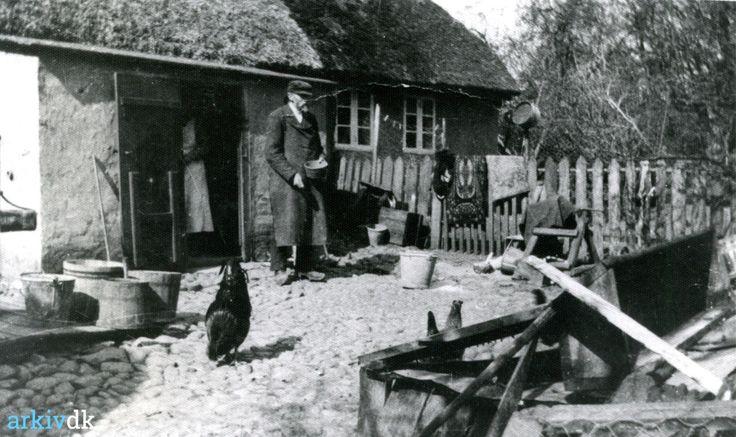 arkiv.dk | Købmand Anneberg, Bækvej, Mønsted o.1940