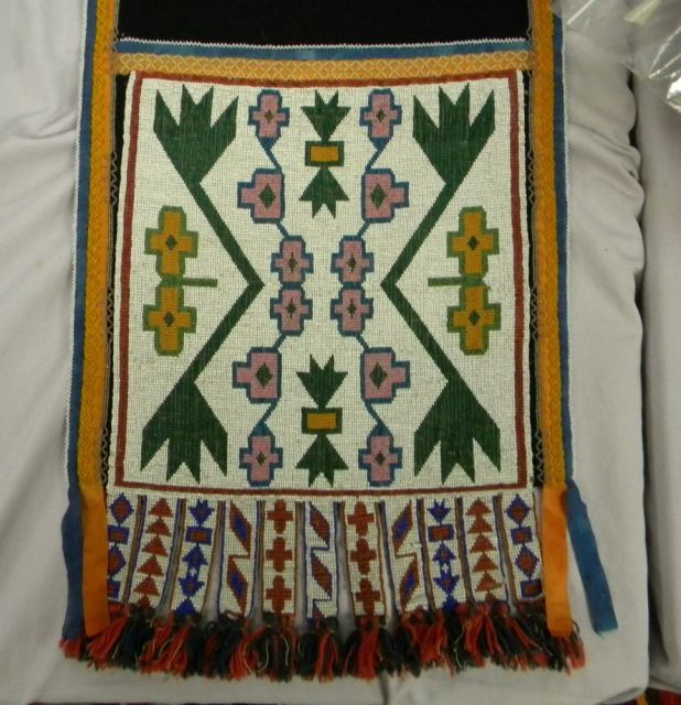 Great Lakes Beaded Cloth Bandolier Bag | Sale Number 2893B, Lot Number 178 | Skinner Auctioneers