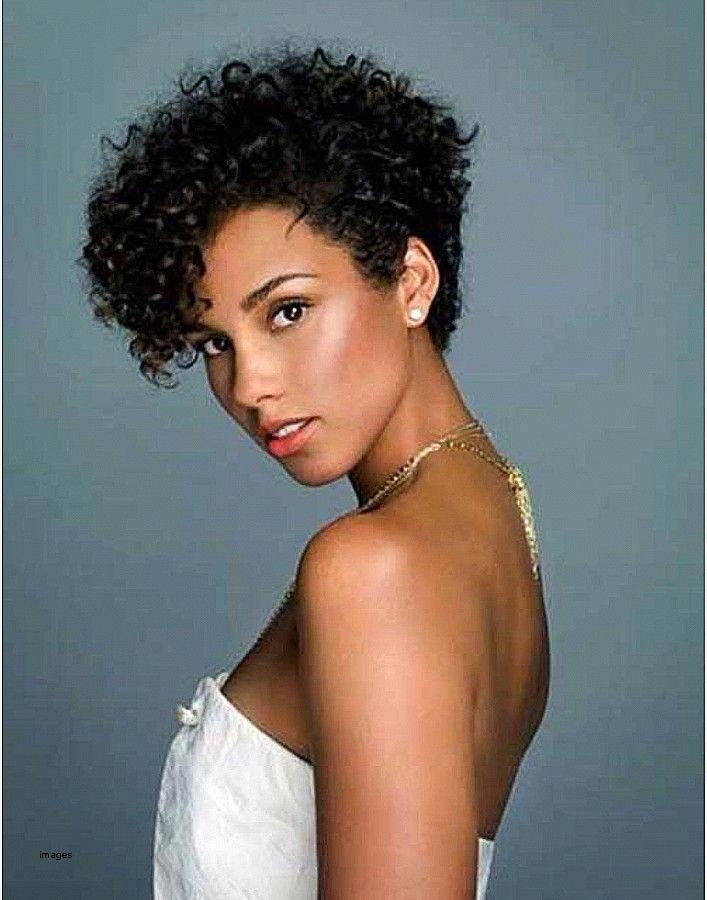 Frisuren für lockiges Haar Mixed Race #frisuren #frisurenflechten #frisurenhalblang #frisurenhochzeit