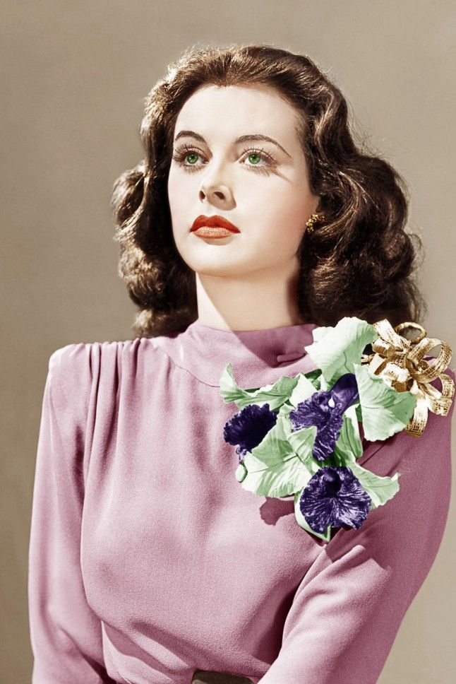 Hedi Lamarr, 1941 Actress Hedi rocks a huge floral corsage for Come Live With Me. So this is where Carrie Bradshaw got her inspiration from....