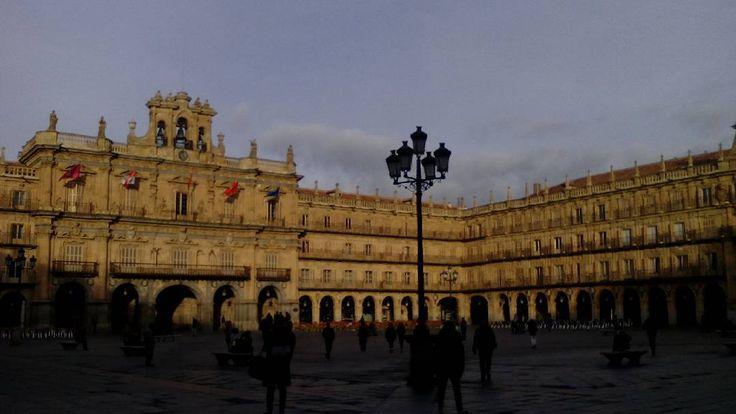 Plaza Mayor.  #Salamanca #pic #photooftheweek #photography #photooftheday #pic #sinfiltros #nofilter #nofilters #igers #instagramers #igersEspaña #igerssalamanca #instagram #picoftheweek #picture #photograph #art #arte #arteenlacalle #communitymanager #instalike #instagood #socialmedia #RedesSociales #CastillayLeon
