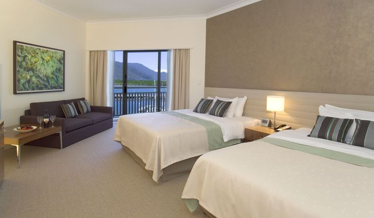 Deluxe Marina View Twin Room @ Shangri-La Hotel, The Marina, Cairns