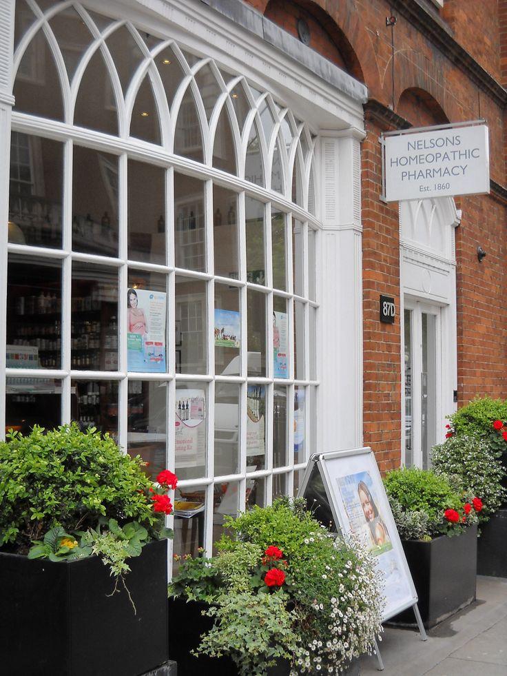 Nelson Pharmacy, una delle più vecchie farmacie omeopatiche in Europa
