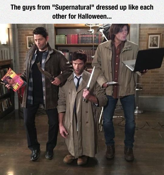 Can we talk about how Misha bowed his legs to be Dean, Jensen is on his tiptoes to be Sam, and Jared is ON HIS KNEES to be Cas