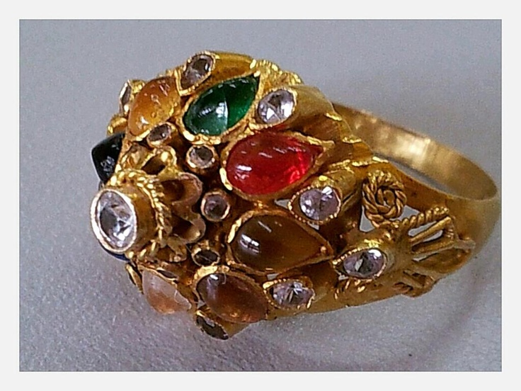 Antique gemstone ring as a symbol of love!