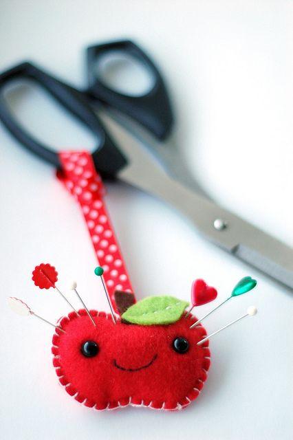 Felt apple scissor pincushion