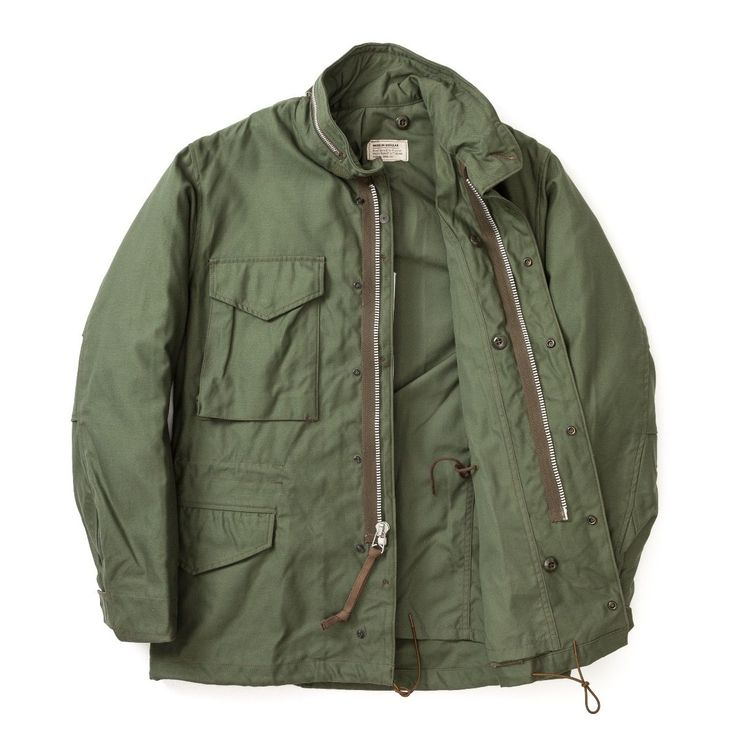 <p>Even though the M-65 is recognized as the ultimate field jacket of the U.S. Army, the jacket itself went through several minor changes. This model is a reproduction of the 1st model of the M-65.</p>