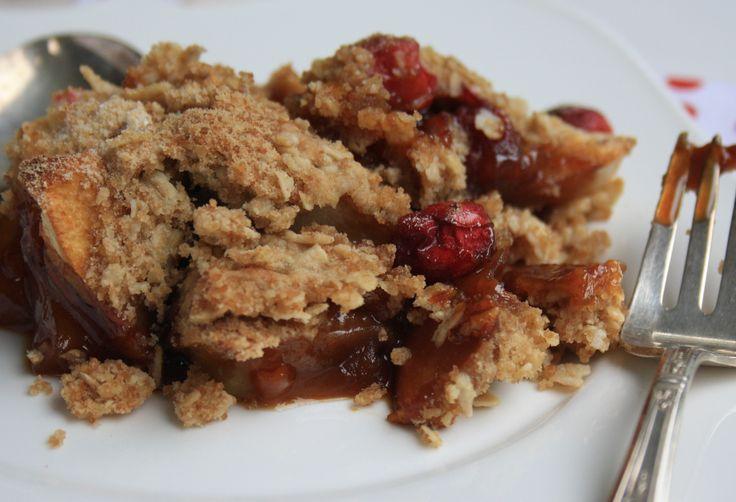 Apple crisp with cranberries - a Thanksgiving dessert
