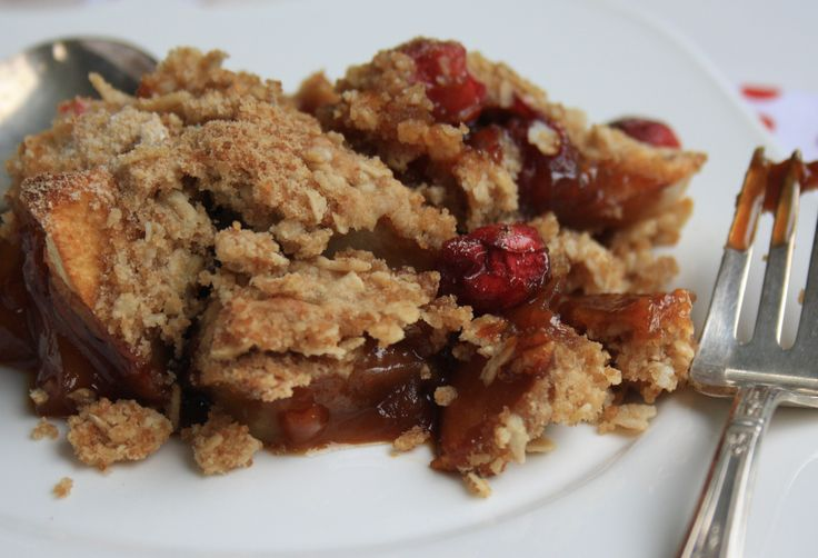Apple crisp with cranberries - a Thanksgiving dessert | tarts and pies ...