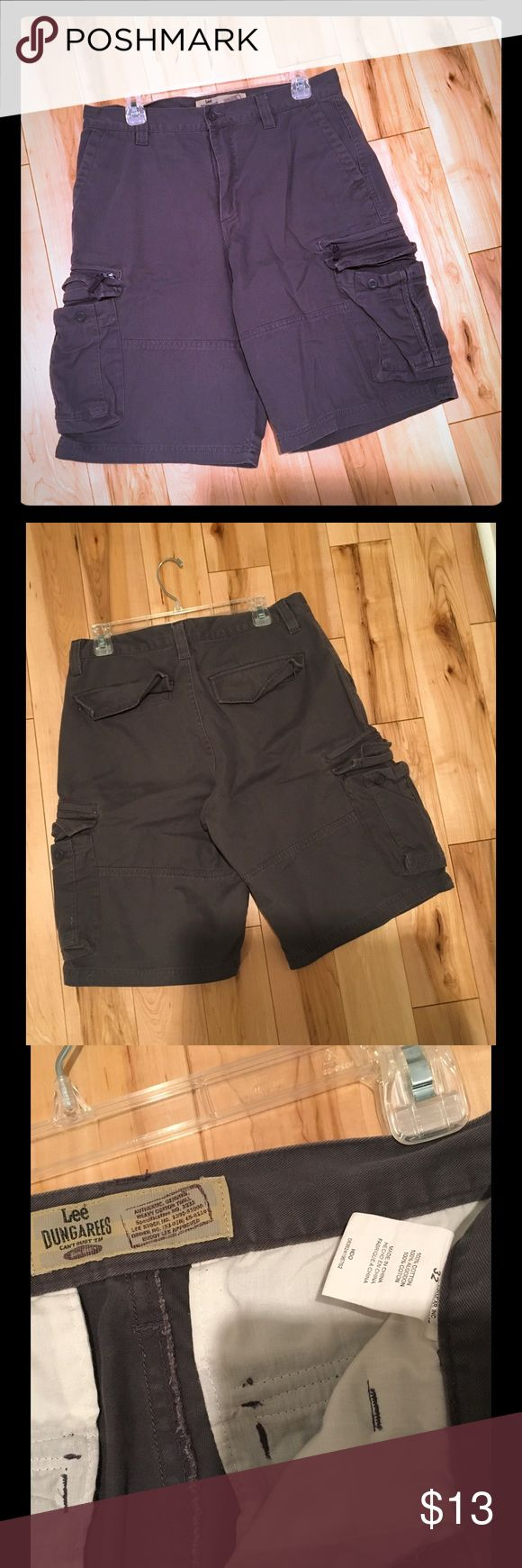 Lee Dungarees Dark Grey Cargo Shorts size 32 Lee Dungarees Dark Grey Cargo Shorts size 32 Lee Shorts Cargo