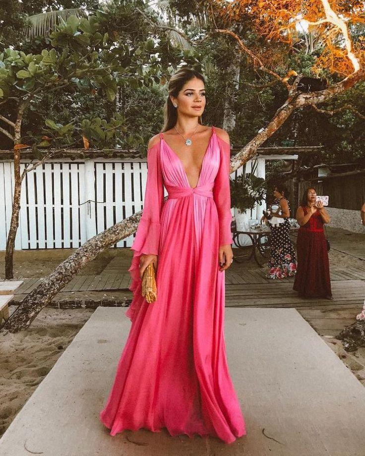 Vestido para casamento na praia: 100 ideias para escolher o look perfeito | Vestido de festa | Dress attire, Dresses, Beach wedding guests