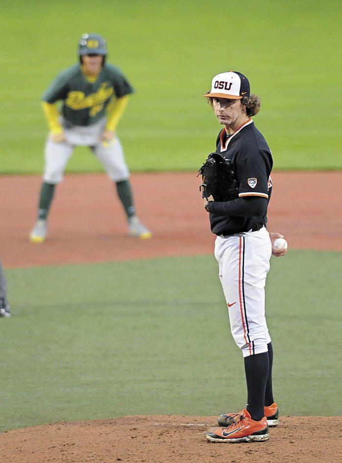 OSU baseball: Beavers rally in 8th to take 4-2 win over Ducks