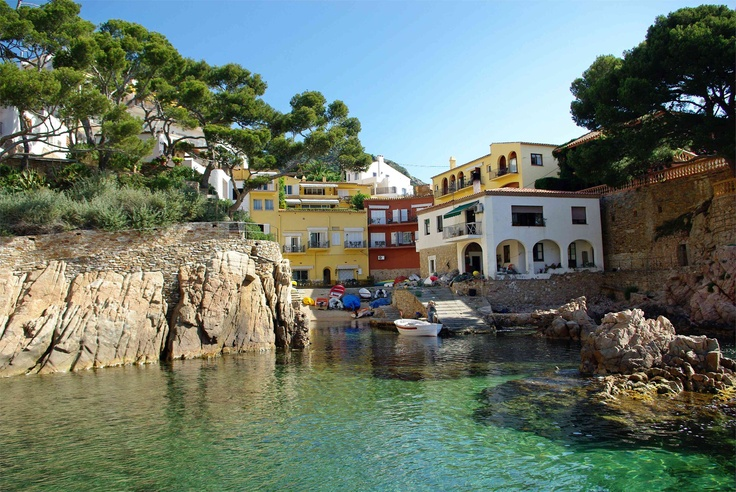 Litlle boats area, Hotel Aiguablava, Begur, Cala Fornells, Costa Brava #travel #wanderlust #takemethere