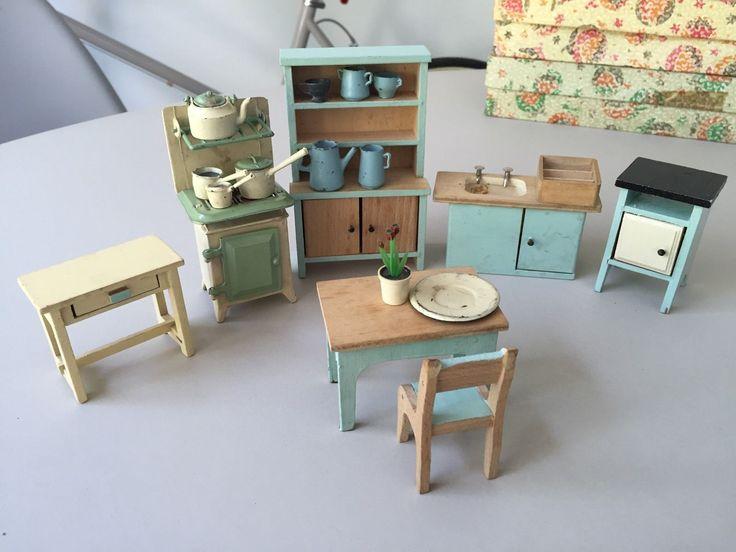 Vintage 50s Dolls House Furniture Kitchen Set | EBay · KüchenmöbelHausmöbel EsstischKüchenMiniaturhäuserPuppenhäuserVintagePuppenKüchensets