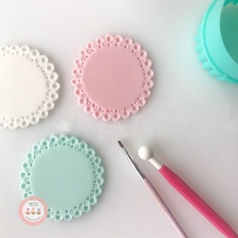 """2,307 Likes, 26 Comments - LadyBerryCupcakeSchool (@ladyberrycupcakes) on Instagram: """"So cathartic making pretty base toppers.... . #Pastels #toppers #prettypatterns"""