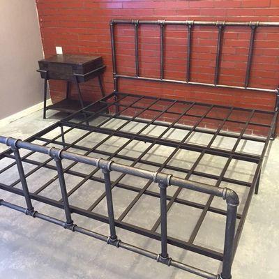 Afbeeldingsresultaat voor diy copper pipe bed frame