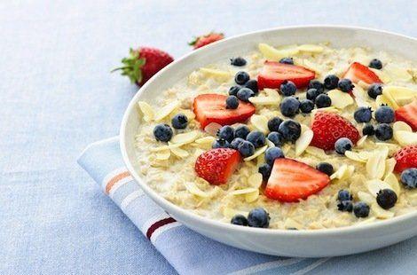 8 Low-Calorie Breakfasts | Shine Food - Yahoo! Shine 1. Overnight Oatmeal 2. Egg & Cheese English Muffin 3. PB WAffles 4. Farmers Toast 5. Quinoa Porridge 6. Burrito Florentine 7. Cinna Oat Shake 8. California Bagel-wich