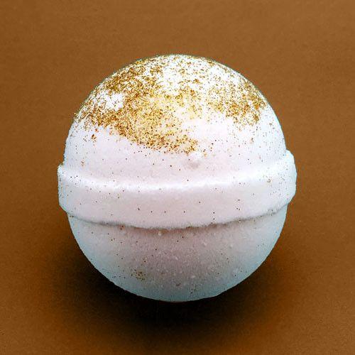 Scent Description: A sweet citrus fruit scent with hints of floral notes. Bath…