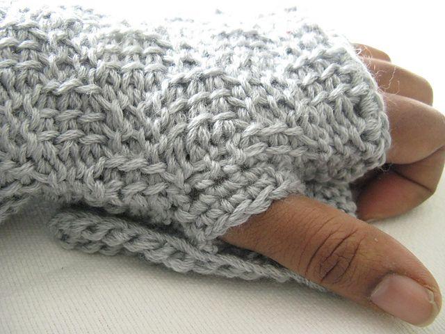 Basketweave Wrist Warmers / Fingerless Gloves pattern by ...