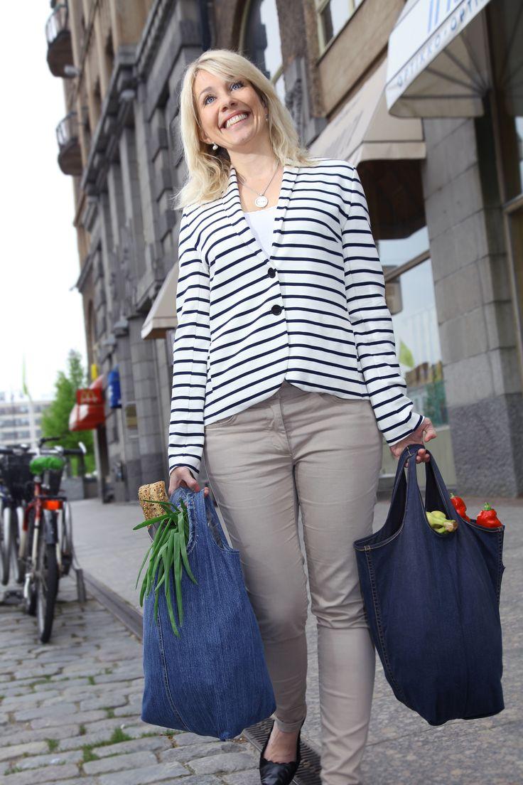 Sy din egna smidiga och snygga handelskasse av gamla jeans. Instruktioner: http://martha.fi/svenska/ekologi/garderoben/marthakasse/