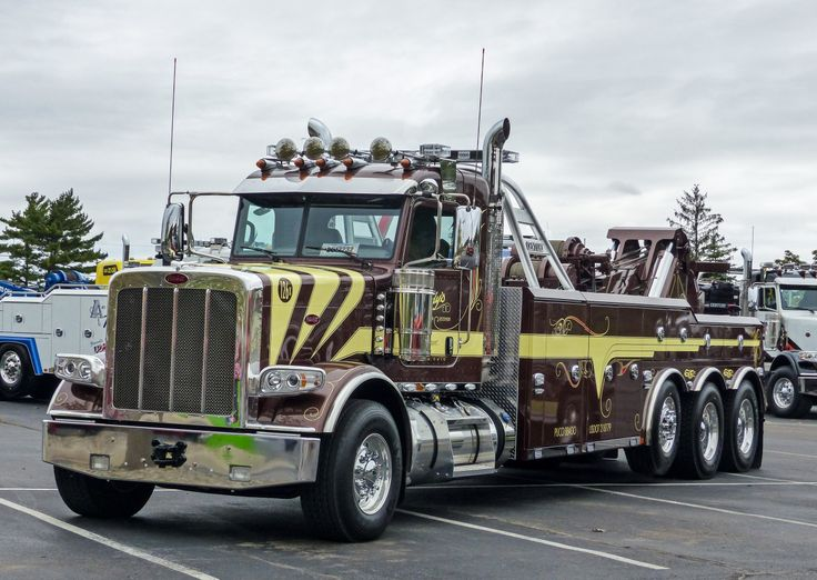 """semitrckn: """"Peterbilt custom 389 wrecker """""""