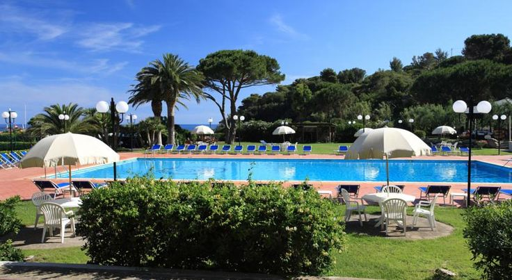 Hotel Desiree Procchio Set in the secluded Spartaia Bay, 800m from Procchio, Hotel Désirée offers direct access to a stunning private beach, as well as great sports facilities and hotel services.