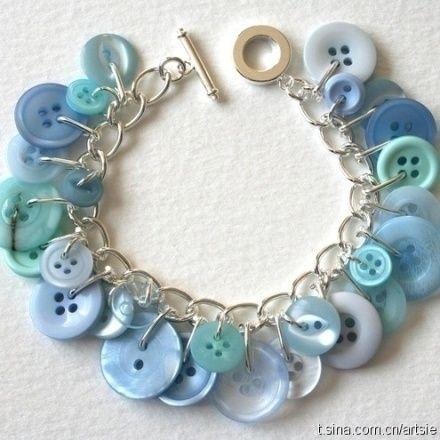Pale blue Button Bracelet                                                                                                                                                                                 Mais