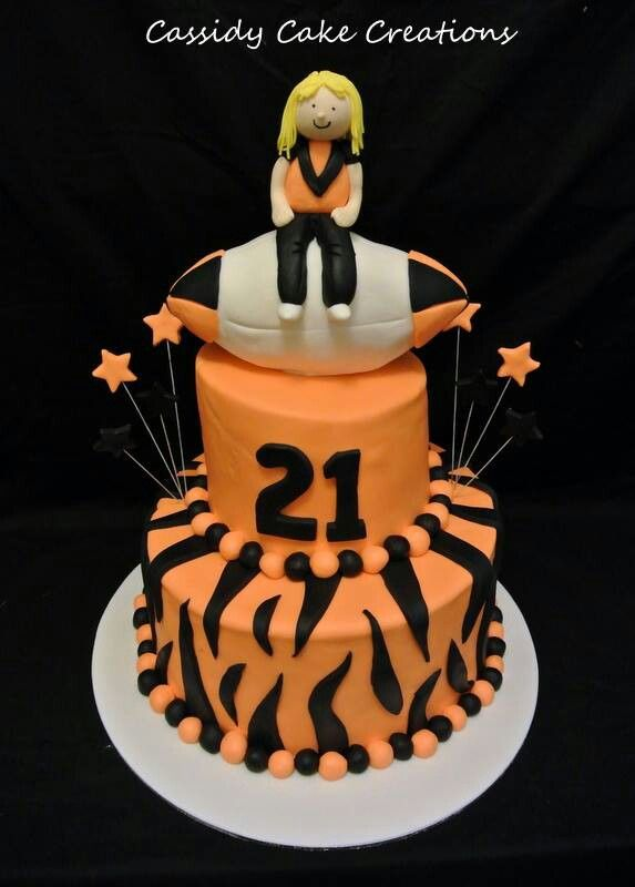 West Tigers themed 21st birthday cake