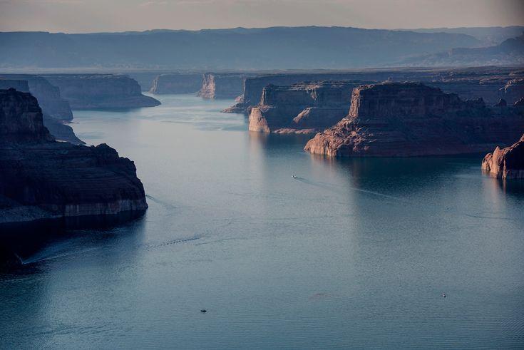 Lungo la riva del lago Powell. - (Paul Morris, Bloomberg/Getty Images)