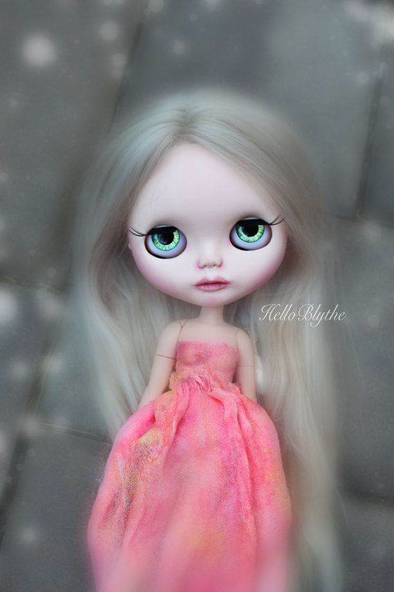 Neon pink galaxy dress for blythe art dolls by helloblythe