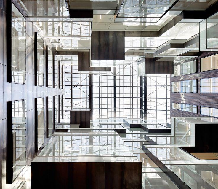 Atrium in Triton Court (London, Great Britain) / Atrium w Triton Court (Londyn, Wielka Brytania).