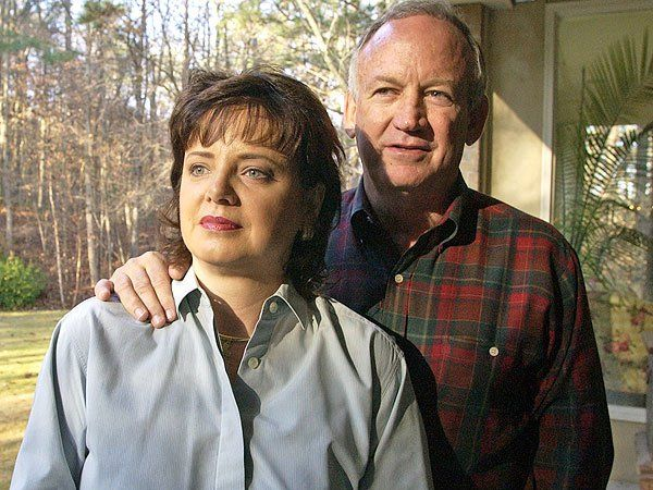Patsy (left) and John Ramsey in 2001