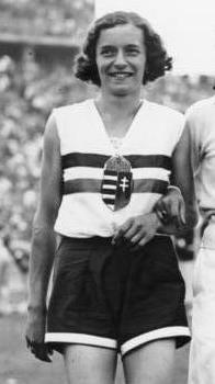 Ibolya Csák 1936   Ibolya Csák lors des Jeux olympiques de 1936. OS guld höjdhopp 1936 Berlin.