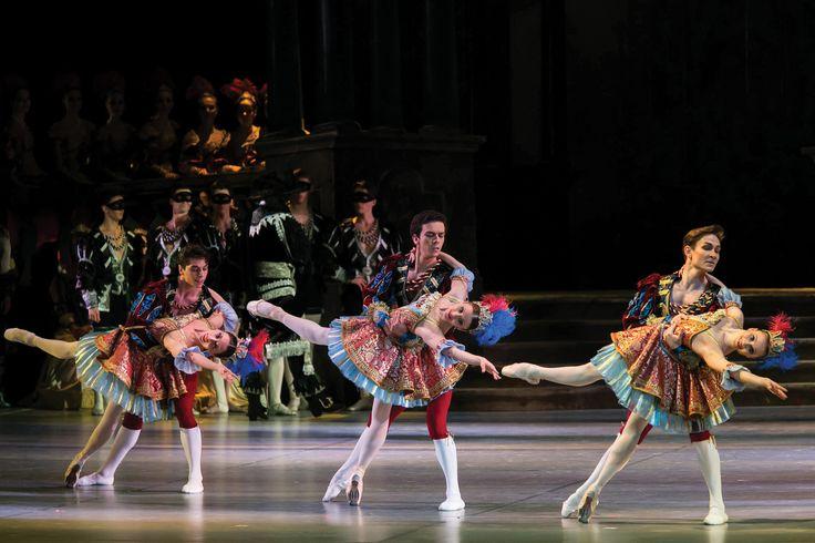 Neapolitan dancers in Swan lake engagement scene. :)