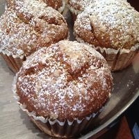 """Panera Bread Restaurant Copycat Recipes: Pumpkin Muffins - made these tonight....they are amazing.  I used whole wheat flour because that's what I had...other than that they would not fit into the """"healthy"""" category."""