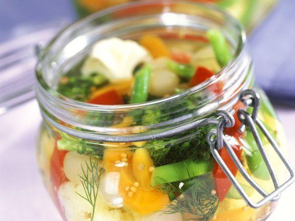 Eingemachtes Gemüse ist ein Rezept mit frischen Zutaten aus der Kategorie Gemüse. Probieren Sie dieses und weitere Rezepte von EAT SMARTER!