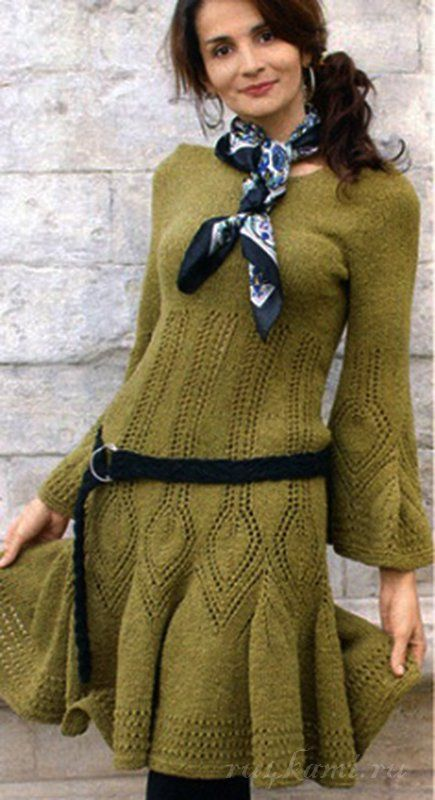 Фисташковое платье спицами