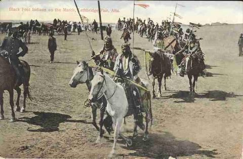 """Black Foot Indians on the March, Lethbridge Fair, Alta."" Период 1900-1910 гг."