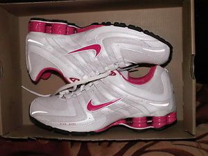 ... WOMENS NIKE SHOX CYPHER SPARKLE RUNNING SHOES NEW sz 9 white   pink  spark ... b01fd5dd9