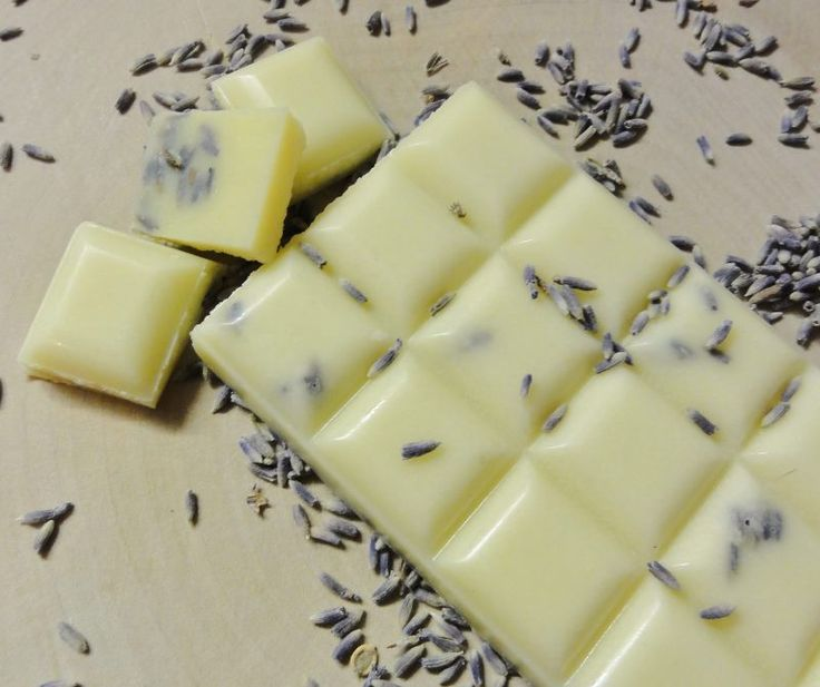 Was es nicht alles gibt :) Badeschokolade hier mit Lavendel zum selbermachen. Hinterlässt sicher ein tolles Gefühl auf der Haut.
