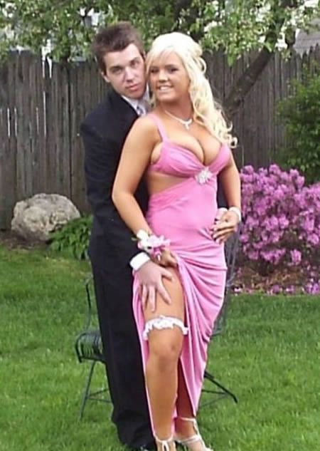 Rue The Day! » Over 60 of The World's Most Trashy, Ugly, Slutty and Ghetto Prom Dresses