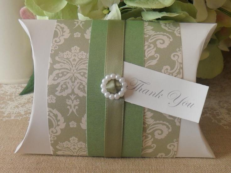 Wedding bomboniere - Green pillow box