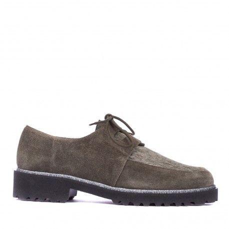 El zapato Crosta Ruano tiene un diseño casual combinable con diferentes prendas de vestir. No te pierdas los últimos pares de rebajas.