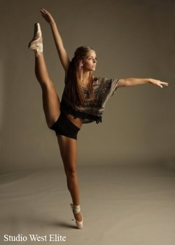...now thats talent... On pointe shoes. Impressed