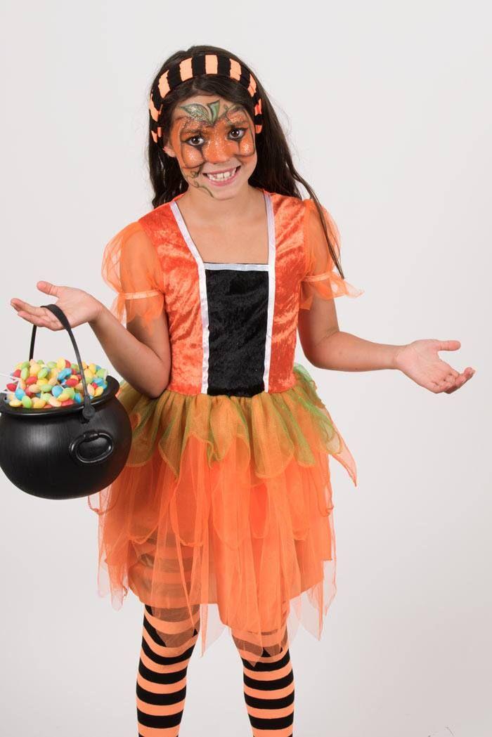 Per la caccia alle caramelle di Halloween, osiamo con tanti brillantini ed un trucco da zucca favoloso!